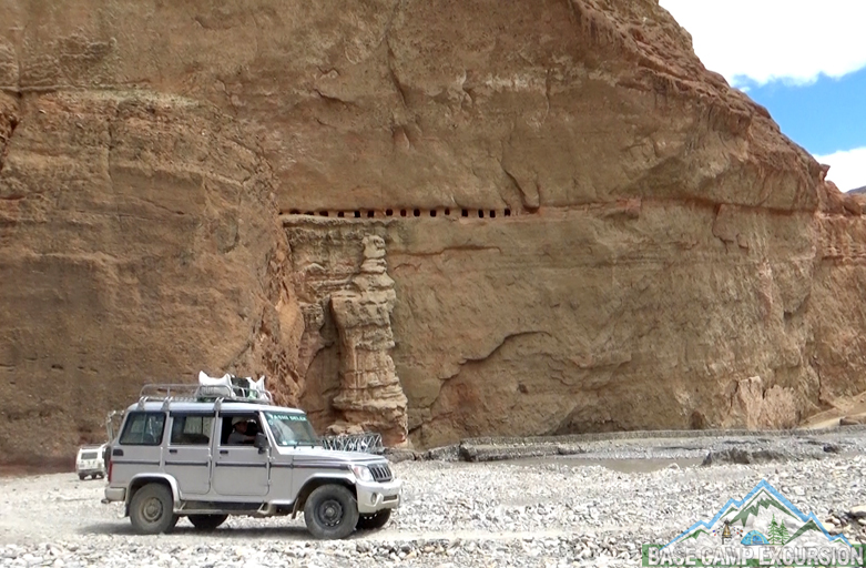 Jomsom to lo Manthang by jeep tour package