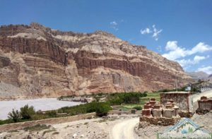 Upper Mustang tour for Nepali exploring chhoser and lo-manthang