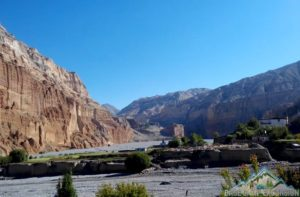 Upper mustang tea house trek